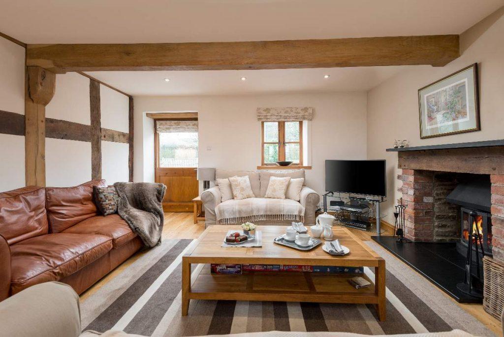 Log burner, large TV and very comfortable sofas.
